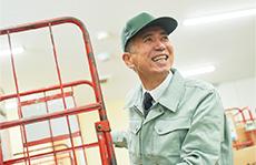 素材辞典 〈シニアのワークライフ編 - 人生100年時代の働き方〉【運送業】